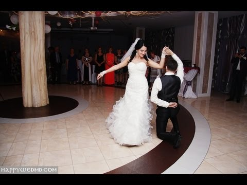 First wedding dance. Julio Iglesias and Dolly Parton - When you tell me that you love me