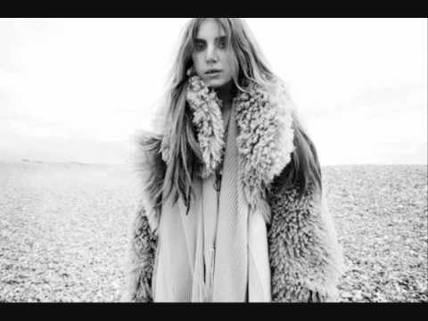Lykke Li - I Know Places