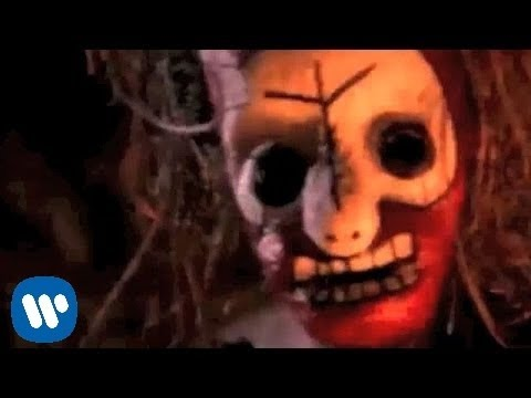 Sepultura - Roots Bloody Roots [OFFICIAL VIDEO]