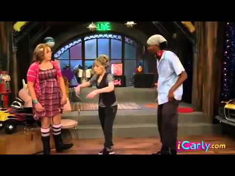 iCarly - Sam Puckett (Jennette McCurdy) Rapping