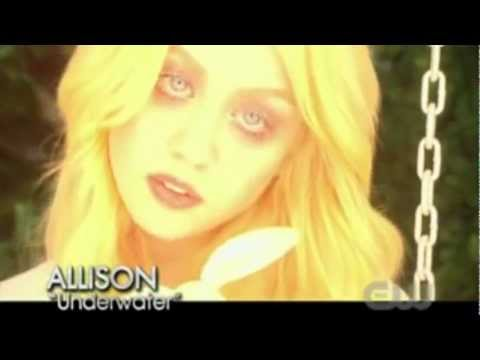 Allison Harvard - Underwater